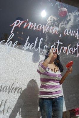 marika salerno-calligrafia-vetrine
